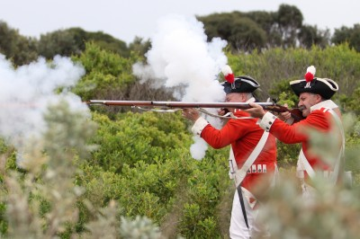 Tony-Robinson-Re-enactment-soldiers-fire-rifles-IMG_0930-web
